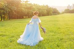 (259) (菲瑪影像Pegasus.ImageStudio) Tags: 台灣 婚紗 高雄 逆光 草地 泡泡 藍色