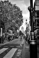Crossing the Long Acre (marc.barrot) Tags: cityofwestminster x100f urbanlandscape streetphotography uk wc2e london coventgarden thelongacre