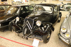 Citroen Traction Avant CSV421 (Andrew 2.8i) Tags: museum classics classic autos auto voitures voiture cars car sparkford somerset uk haynes french saloon sedan avant traction citroen 1955 csv421