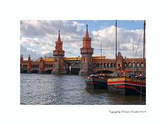 Oberbaumbrücke Berlin Germany (Roland Knechtel) Tags: roland knechtel deutschland germany farbig photo foto flus fluss spree berlin city oberbaumbrücke river hauptstadt stadt brücke schiff
