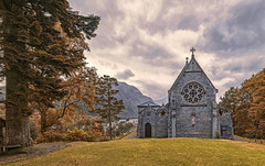Chiesetta autunnale (Fil.ippo) Tags: churchofstmarystfinnan church glenfinnan scotland scozia landscape panorama autumn fall autunno trees alberi sky clouds highlands filippobianchi filippo fuji xt2 gothic