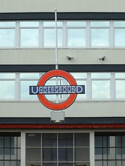 Roundel (failing_angel) Tags: 180519 london piccadillylinetour piccadillyline londonboroughofenfield cockfosters charlesholden frankpick artdeco undergroundstation