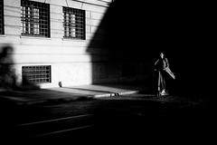 E-Scooter (Sandy...J) Tags: atmosphere atmosphäre blackwhite bw black light licht shadow schatten darkness dunkelheit city contrast deutschland fotografie fuji xt100 photography noir urban street streetphotography sw schwarzweis strasenfotografie stadt cyclist monochrom women germany kontrast mood