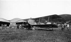 09_03090  Breguet 14: WWI Aviation-Related Photos taken in France, c. 1914-1917 (San Diego Air & Space Museum Archives) Tags: thegreatwar greatwar worldwari worldwarone firstworldwar wwi ww1 bomber breguet breguetxiv breguet14