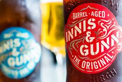 Innis & Gunn (Maria Eklind) Tags: öl brandsandlogos scottishcraftbeerbyinnisgunn brandandlogos innisgunnbrewingco macromondays bottle brewery beer dof depthoffield