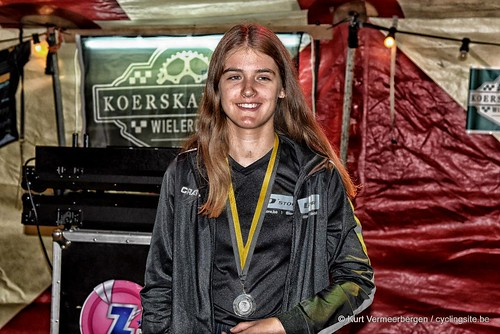 podium (16)