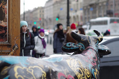 IMGP2423 (PahaKoz) Tags: ленинград санктпетербург город осень leningrad stpetersburg city autumn пейзаж городской landscape cityscape улица дождь street rain скульптура sculpture корова cow рога horns