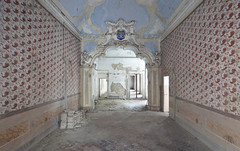 Palazzo di Angeli (Sean M Richardson) Tags: abandoned palace architecture details decay angels canon photography explore color light italia