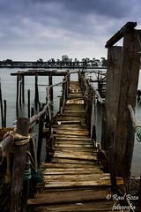 Embarcadero de Bacuta. (raulboza1) Tags: huelva puertodehuelva pesca mar embarcadero barco agua d7200 sigma photography rio nubes díanublado landscapes largaexposición aguasedosa nikond7200 nikonistas nikonespaña