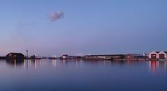 Dunkerque 057_a (Davidkos) Tags: nuit gare eclairage coloré pluie reverberation pose longue quai dunkerque eau bleu