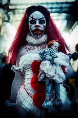 Hiya Georgie! (Paul Ocejo) Tags: cosplay cosplayer cosplayers costume nycc nycc2019 newyorkcomiccon newyorkcity javitscenter javits center con convention newyork body face paint bodypaint facepaint makeup it stephen king pennywise penny wise