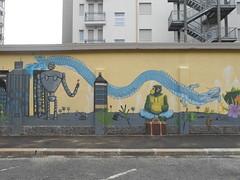 420 (en-ri) Tags: liceo artistico cottini automa robot gorilla dragone dragon indaco grattacieli giallo torino wall muro graffiti writing prato