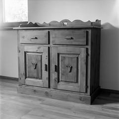 (doktorkhg) Tags: film analogue photography mamiya c330 sekor 80 mm black white xtol homemade epson v600 foma fix ilford medium format mediumformat 6x6 tlr filmisnotdead indoor furniture tradition folk vintage