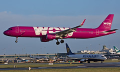 TF-CAT - Airbus A321-211 - DUB (Seán Noel O'Connell) Tags: wowair tfcat airbus a321211 a321 dublinairport dub eidw kef bikf ww6 wow6 aviation avgeek aviationphotography planespotting