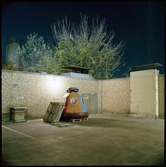 Gulliverkli (Konrad Winkler) Tags: berlin hinterhof nacht spielgerät raumkapsel mauer langzeitbelichtung kodakportra160 hasselblad503cx mittelformat 6x6 epsonv800 carlzeissdistagon3 5 carlzeissdistagon3560t