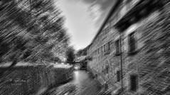 (289/19) Efecto (Pablo Arias) Tags: pabloarias photoshop nx2 cielo nubes arquitectura paisaje bn blancoynegro monocromático río desenfoque monasterio samos lugo galicia