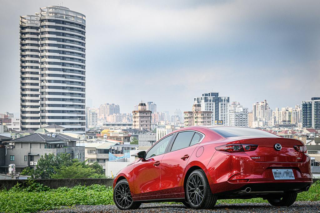 Mazda3_C_4