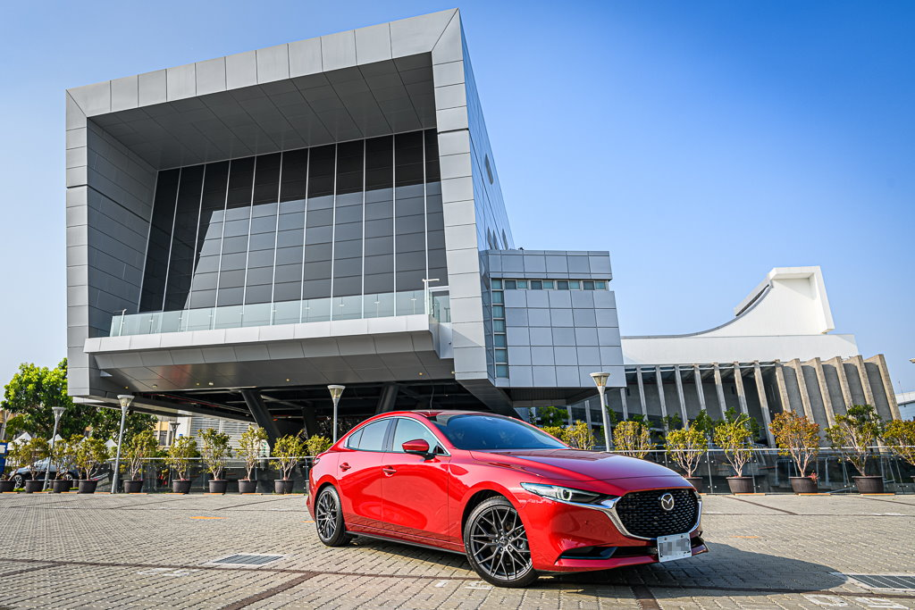 Mazda3_C_16