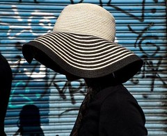 Patterns. #streetphotography #w10london #pattern #hat ... (lorenzogrif) Tags: streetphotography w10london pattern hat myfeatureshoot london spicollective igstreetphotography theprintswap lensculture urbanphotography aspfeatures ipctakeover magnumphotos hcscstreet thebrightsideofeu shadowhunters eyeshotmag fujifilmuk yourshotphotographer irdailyshots