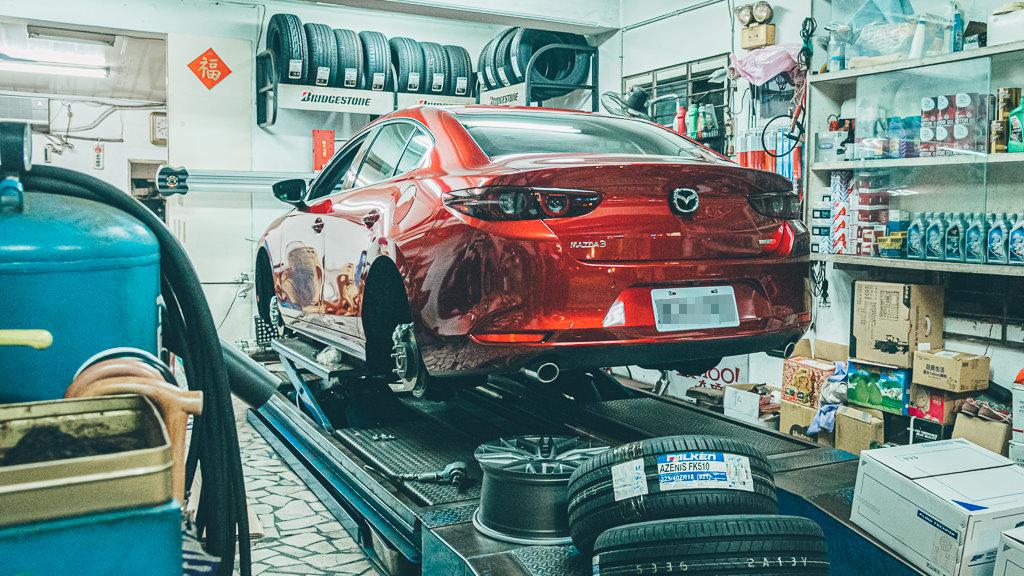Mazda3_A_3