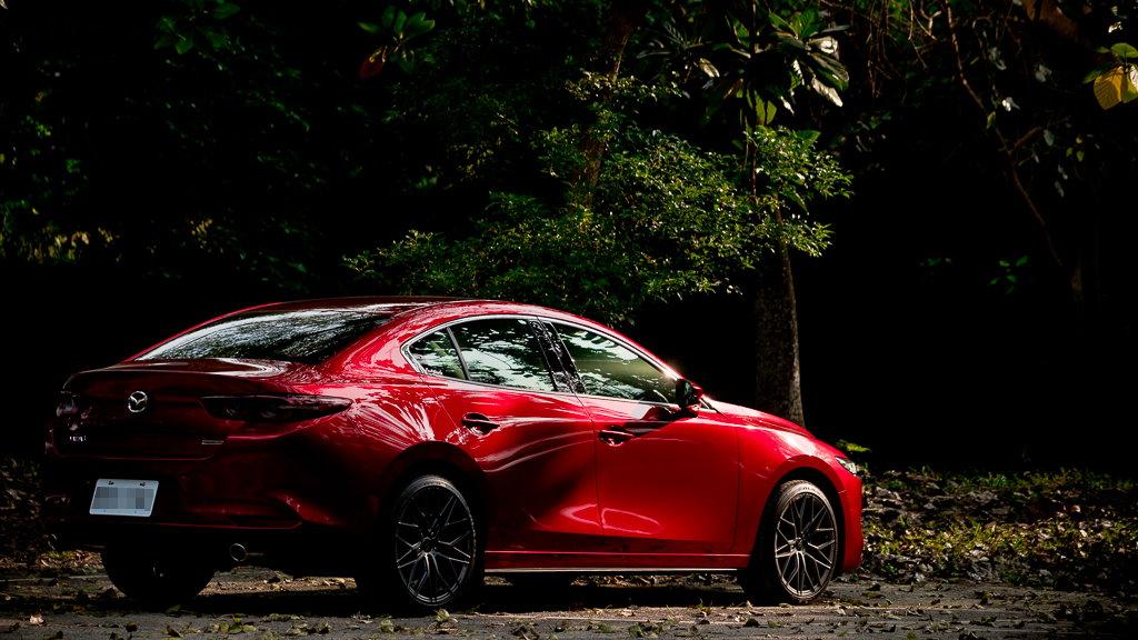 Mazda3_B_4