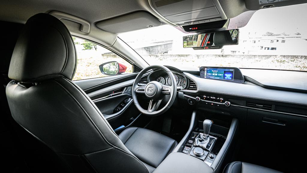 Mazda3_B_11
