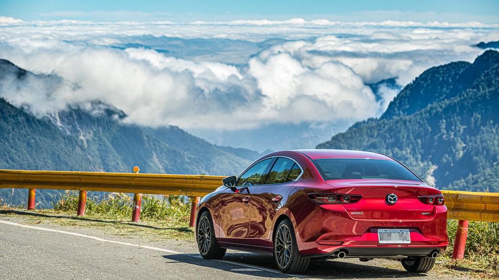 Mazda3_C_11