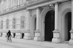 Vienna (doc-harvey) Tags: vienna wien austria hwschlaefer docharvey analogue analog bw bwfp blackandwhite blancetnoir city bike m3 leica summicron50dr kodak film trix400 tx400