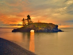 Hollow Rock Sunbeam (WTW Pics) Tags: hollowrock minnesota island cave sunrise sunbeam colors sky beauty fall canon5dmkii longexposure seashore reflection greatlakes lakesuperior