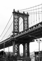 Manhattan Bridge (Samarrakaton) Tags: samarrakaton 2019 nikon d750 2470 brooklyn nyc nuevayork newyork usa eeuu estadosunidos norteamerica viaje travel vacaciones holidays byn bw blancoynegro blackandwhite monocromo puete bridge