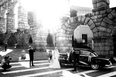 Wedding Day... (pacofonso) Tags: fujifilm fuji fujistas x100t spicollective streetphotography blancoynegro bnw blackwhite segovia boda wedding