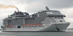 Vertrek MSC GRANDIOSA (kees torn) Tags: mscgrandiosa cruiseschepen hoekvanholland reizen nieuwewaterweg