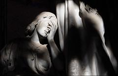 Genova Staglieno , in the garden of the silent ... (2) (miriam ulivi - OFF/ON) Tags: miriamulivi nikond7200 italia genova cimiteromonumentaledistaglieno statua blackwhite ombra luce light shadow monochrome contrasto cemeteryofstaglieno statue
