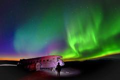 s 20192710_DC3 Plane Wreck Aurora with Tourist_DSC_1349 (Andrew JK Tan) Tags: iceland nikonz7 aurora auroraborealis northernlights dc3planewreck tourist