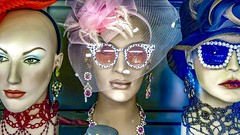 Mannequins in Stockholm, Sweden.31/5 2017. (photoola) Tags: stockholm skyltdockor mannequin sweden photoola glases jewellery