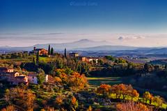 La Toscana è paesaggio - Tuscany is landscape (Eugenio GV Costa) Tags: approvato campagna toscana albero alberi tuscany countryside tree outside nuvole cielo clouds sky trees