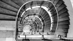 Hamburg Stairs (petra.foto busy busy busy) Tags: fotopetra treppenhaus stairs vonoben hamburg germany treppe scwarz weis monocrom architektur