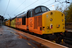 37521 at Morpeth (stephen.lewins (1,000 000 UP !)) Tags: railways ecml morpeth northumberland colas class37 tractors 37521