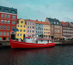 Copenhagen, Denmark  2018 (juliana.contursi) Tags: boat copenhagen denmark color houses river water