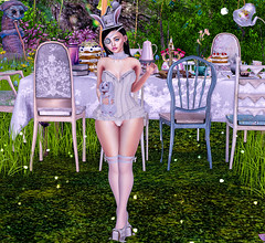 we all fit in somewhere (Aphrodite000100) Tags: secondlife sl blog blogger event cosmopolitan new eclipse