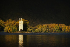 Binger Mäuseturm (Parchman Kid (Jerry)) Tags: binger mäuseturm am rhein fluss river tower autumn fall leaves trees water parchmankid sony a6500 jerry burchfield bingen mainz landscape ilce6500 ambiance ambience mood ambient ambiant moody atmosphere