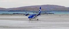 2_DS9484 (Invincible Moose) Tags: barra hial airport loganair dhc6 twinotter viking400 sea scotland outerhebrides beachlanding runway