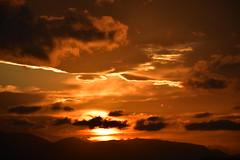DSC_0108 (griecocathy) Tags: paysage coucher soleil ciel nuage montagne noir jaune oranger brun beige gris blanc