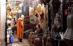 Marocco- Marrakech (venturidonatella) Tags: marocco morocco marrakech africa suk mercato market persone people gente gentes colori colors luce ombra e ombralight shadowshadowlightstreet photography portraits ritratti