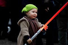 Cutest Yoda ever. (Gabi Breitenbach) Tags: yoda starwars lightning saber master luccacomics 2019 cute portrait ritratto baby cosplay cosplayer georgelucas jedi theforce