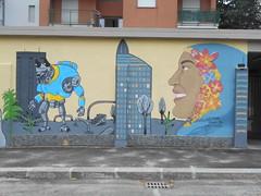 429 (en-ri) Tags: liceo artistico cottino azzurro fiori flowers cielo sky grattacieli donna woman robot torino wall muro graffiti writing