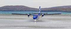 2_DS9487-2 (Invincible Moose) Tags: barra hial airport loganair dhc6 twinotter viking400 sea scotland outerhebrides beachlanding runway