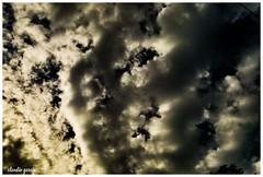 Descenso (Claudio Andrés García) Tags: nubes clouds cielo sky skyscape naturaleza nature primavera springs fotografía photography shot picture flickr cybershot