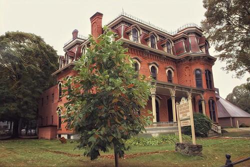 Saratoga Springs - New York - Nolan House New England Presbyterian Church - Historic