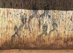 La CIUDAD cuenta lo que sus muros hablan - The CITY tells what its walls speak. (goma741) Tags: parque people círculo edificio travel líneas rótulo animado dibujo boceto carretera streetart paisaje geometría mosaico ilustración personas acera pintura retrato gente muro wall calle street urbano urban color colors arte art graffiti grafiti mundo world viajero external exterior andén arcén libre free escritura callejón árbol arquitectura ventana marruecos iphone